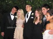Dakota Fanning / Michael Sheen - Imagenes/Videos de Paparazzi / Estudio/ Eventos etc. - Página 4 D13734140870791