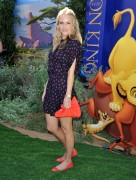 Монит Мазур, фото 74. Monet Mazur 'The Lion King 3D' Premiere in Hollywood - August 27, 2011, foto 74