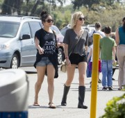 Эшли Бенсон, фото 391. Ashley Benson at Busch Gardens in Tampa Bay 03/03/12*with Vanessa Hudgens, foto 391,