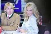Памела Андерсон, фото 4974. Pamela Anderson signs autographs at Lugner City in Vienna, Austria, March 5, foto 4974