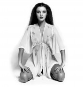 Jane Seymour : Young B&amp;amp;W Photoshoot x 9 HQ