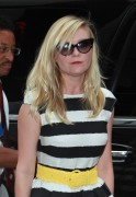 Kirsten Dunst - at Good Morning America in New York 08/05/12