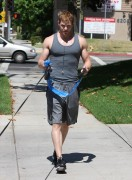 Kellan Lutz walking the dogs - July 15th, 2010 85e2cd88773458